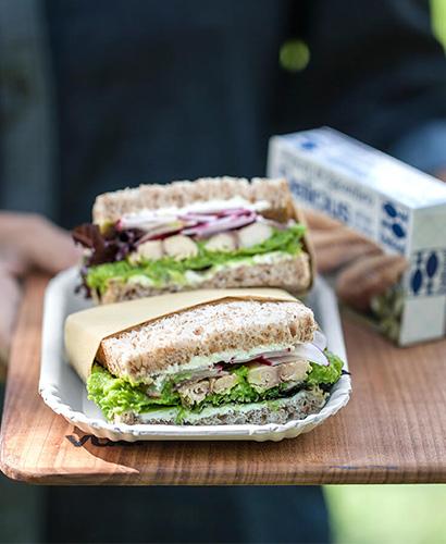 Club Sandwich con Hummus di piselli e Sgombro grigliato