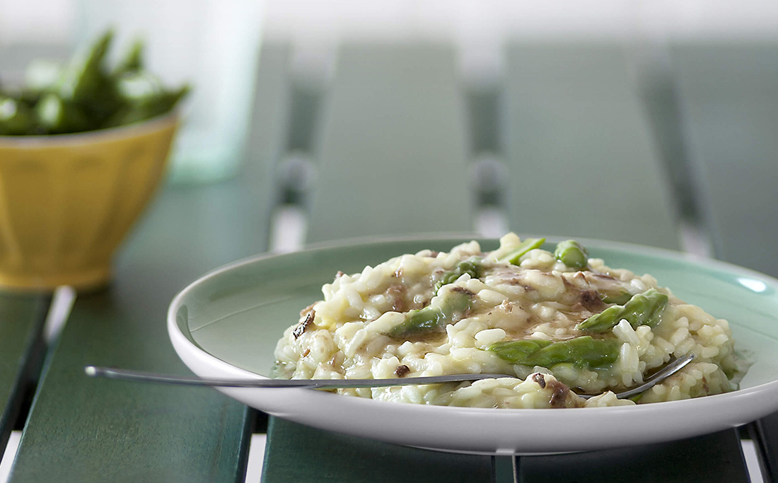 Anchovy Creamed Rice with Asparagus