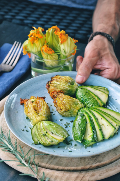 Stuffed squash blossoms with Delicius Mackerel fillets in olive oil