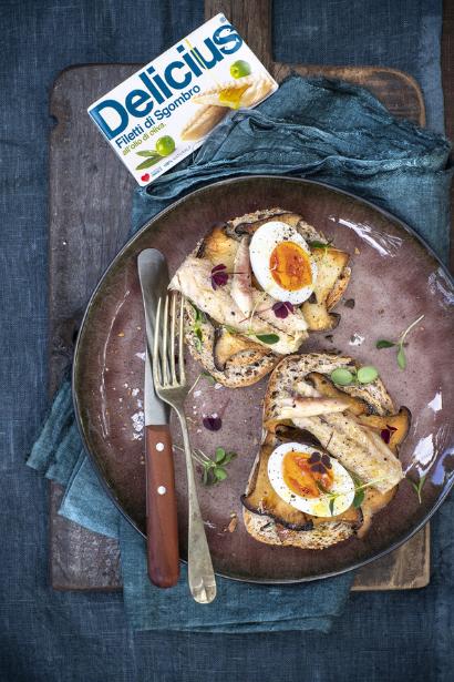 Eggs, Mackerel and mushrooms croutons